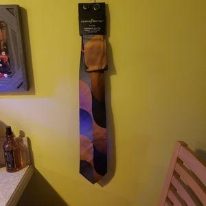 Giorgio Brutini hanky & cufflink tie bar set